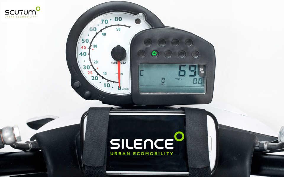 Moto electrica excelente relacion velocidad autonomia hasta 200 km