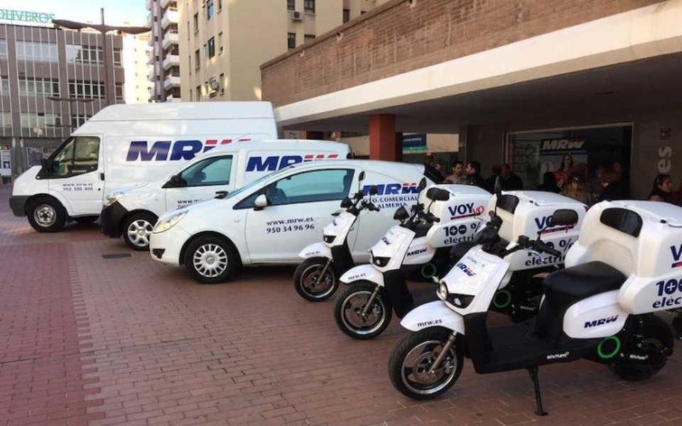Una moto electrica para reparto de MRW y Amazon