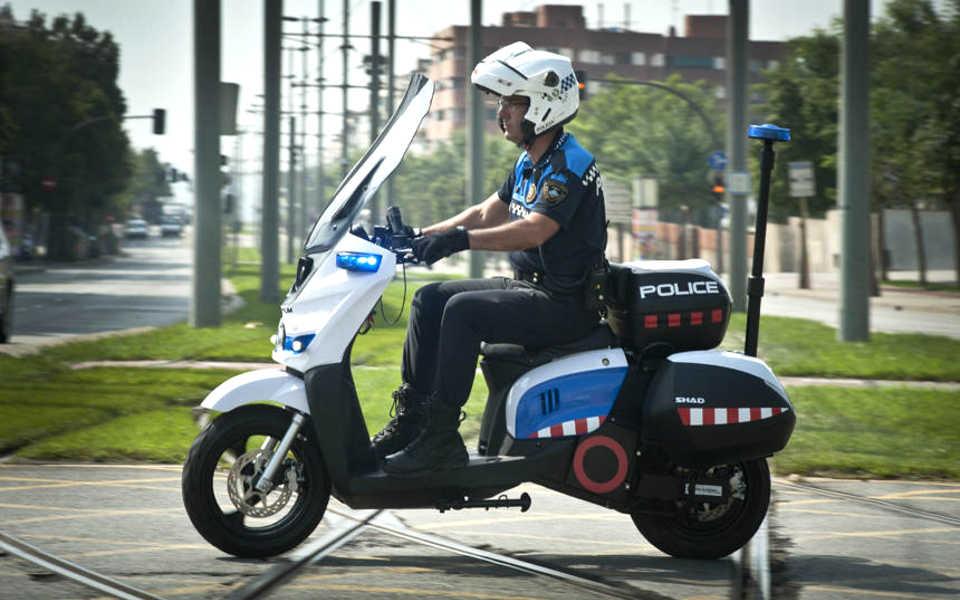 Moto electrica para los agentes de policia de Barcelona