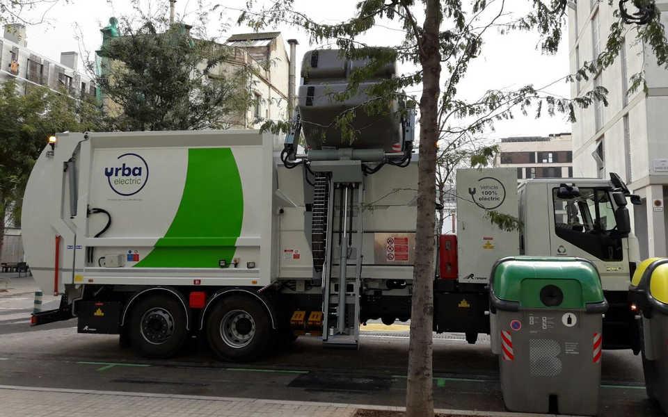 Camion 100% ecologico de gran tonelaje de basuras presentado al Expoelectric