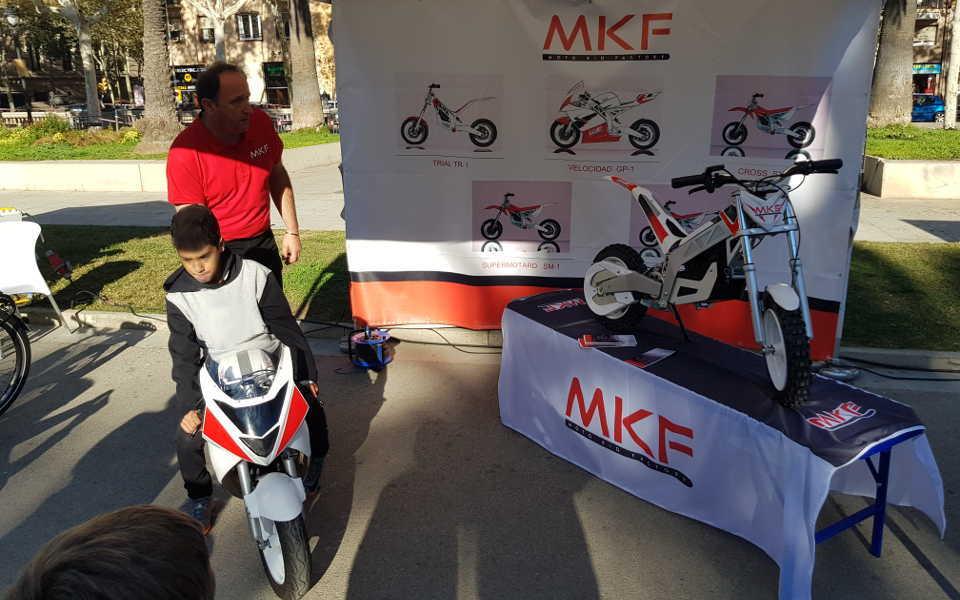 Stand MKF alto nivel de minimotos electricas