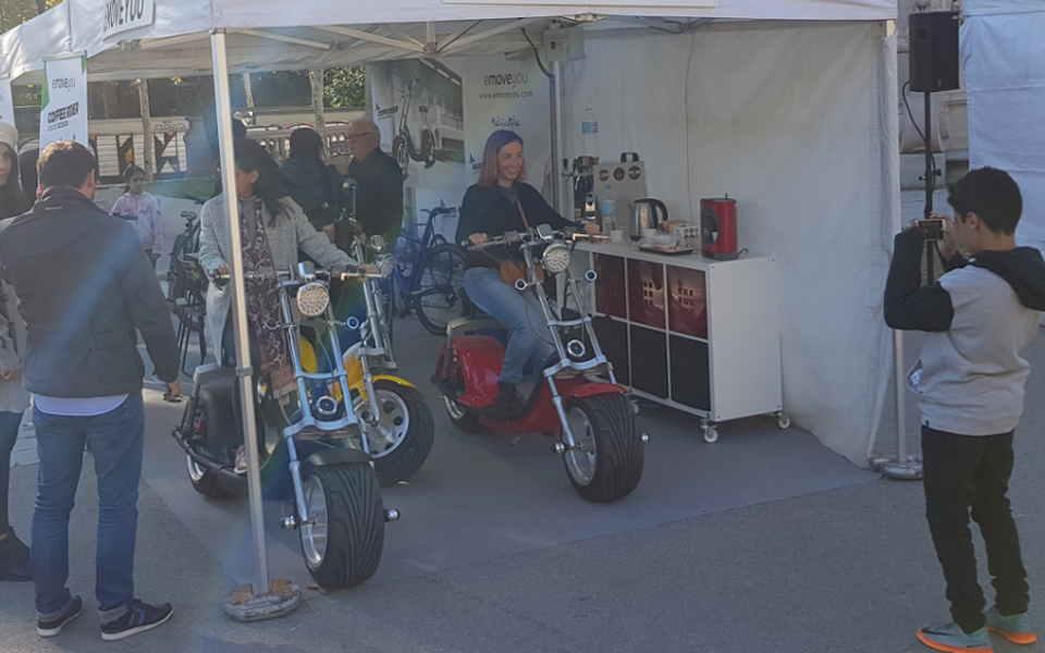 Stand de motos Harley Emoveyou
